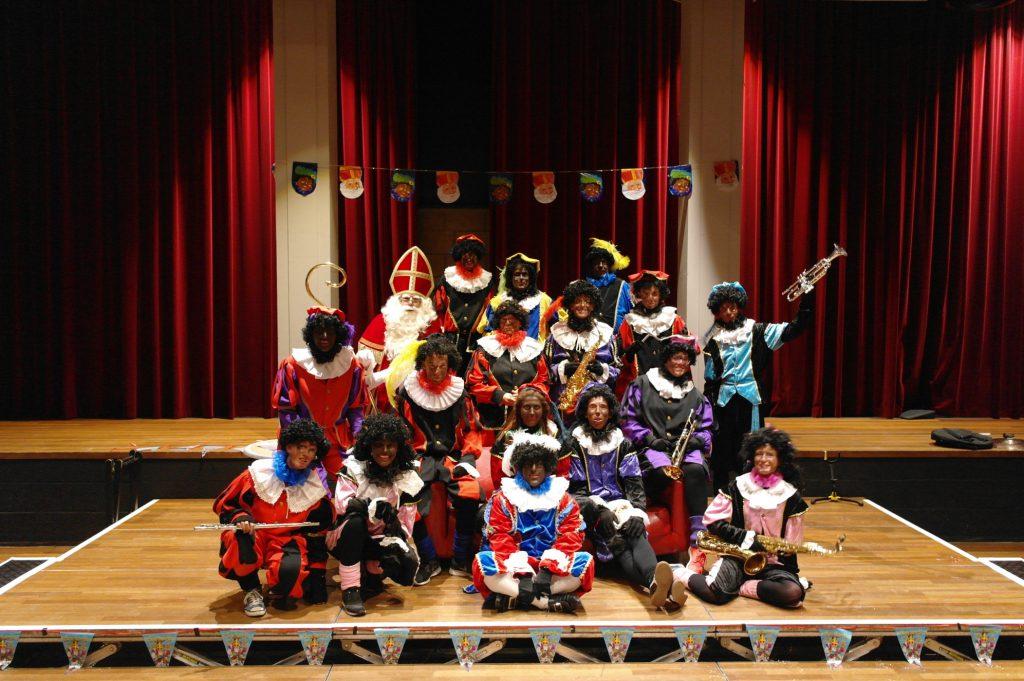 De Muziek- en Dans pieten van Muziekvereniging Euphonia